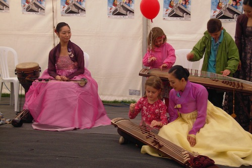 Young students at the gayageum workshop