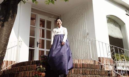 Hanbok designer Lee Hye-sun, barred from the Shilla dining room