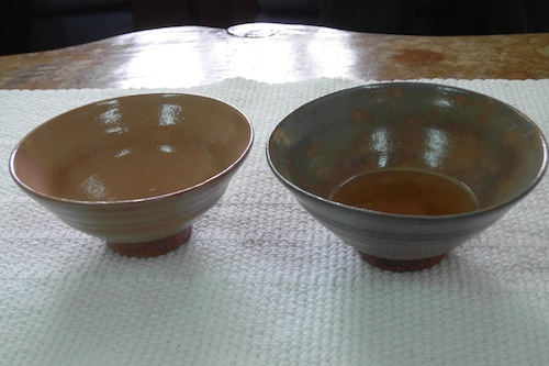 Two tea-bowls made of almost identical clay