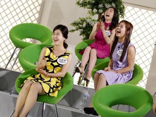 North Korean defectors on South Korean TV show