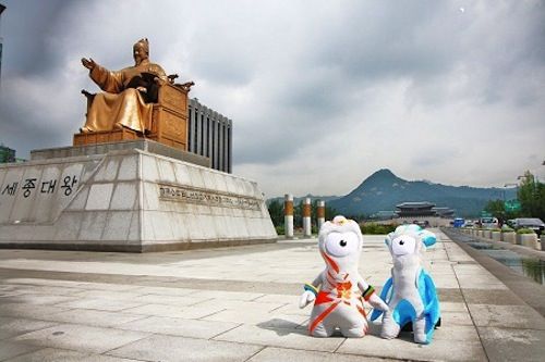 Featured image for post: Wenlock & Mandeville in Seoul