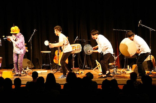Gong Myoung with a variety of unusual instruments