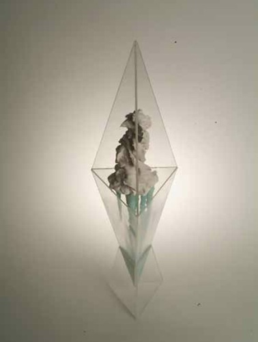 Jiho Won: Zi, 72x20x18cm, Glass, Plaster and acrylic, 2010