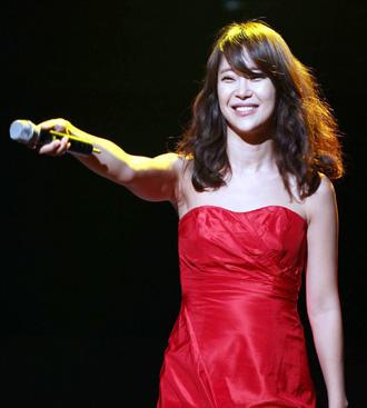 Baek Ji-young