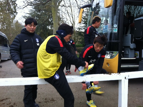 Park Chu-yong boots up