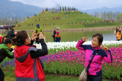 Posing at the opening weekend of the Suncheon Bay Garden Expo 2013