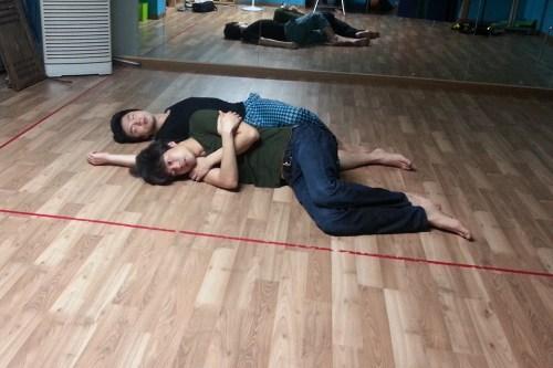 Kim Hyung-gyun (Othello) and Kim Sung-gyeom (Iago)