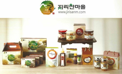 The dried doenjang (bottom left) is very good