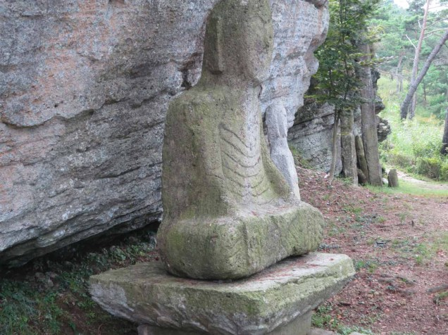 "One of the ""folksy"" buddha statues to be found everywhere at Unjusa"