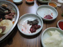 Raw beef lung was more difficult to eat