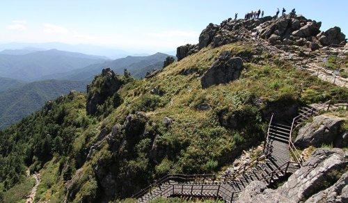 Cheonwangbong, the summit of Jirisan (photo: Daniel Adamson / The Guardian)