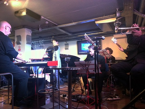 Part of notes inégales including Peter Wiegold (keyboard)