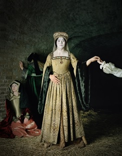 Chanhyo Bae, Existing in Costume Anne Boleyn, 230x180cm, C-Print, 2012