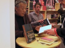 LBF - Hwang Sok-yong signs copies of his latest English translation