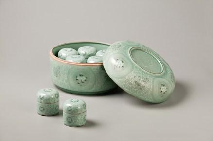 Celadon Case with Baoxiang-hwa design. Gwang Yeol Yu