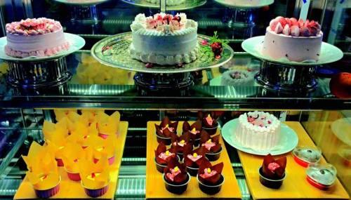 Tea museum cakes