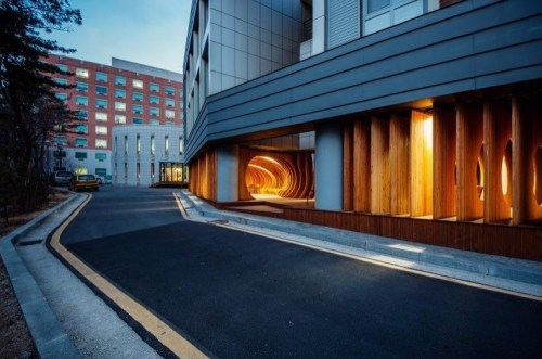 UTAA Company: University of Seoul Rest Hole, Jeonnongdong, Seoul, 2012 (Photo: Hyosook Chin)