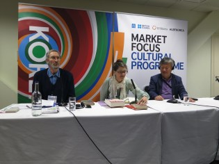 LBF - Yi Mun-yol with Marina Warner and his British publisher, 9 April