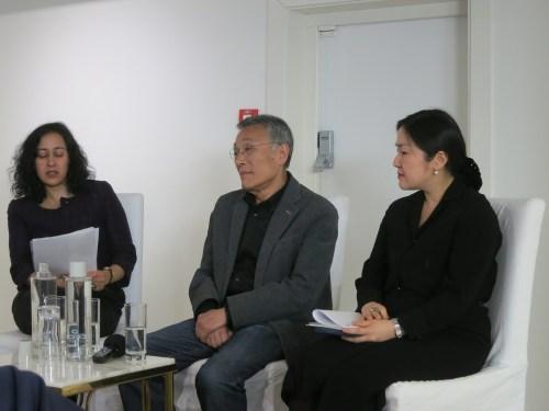 Hwang Sok-yong with Maya Jaggi (L) and Dr Grace Koh