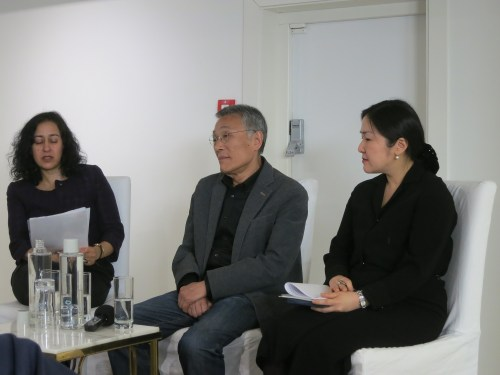 Hwang Sok-yong with Maya Jaggi (L) and Dr Grace Koh