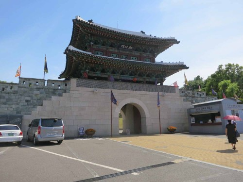 The Gongbukmun - the main entrance to Jinju fortress