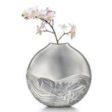 Kyosun Jung: Flower Vase (inspired by water lilies)