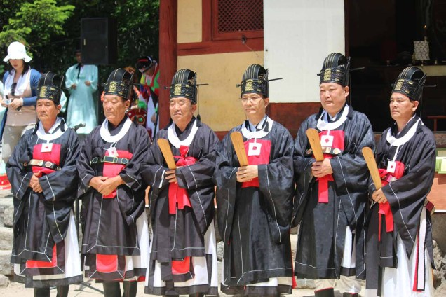 Daegwallyeong Guksaseonghwangje: team photo at the end