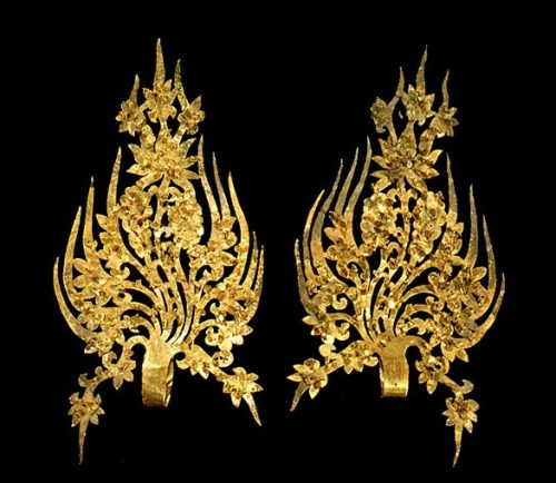 Gold Diadem Ornaments of King Muryeong