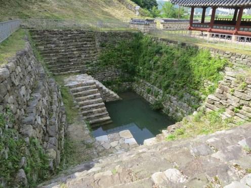 Walking Gongsanseong walls: the Yeonji pond behind the Manharu pavilion