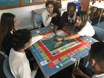 Students playing the phoneCycle game