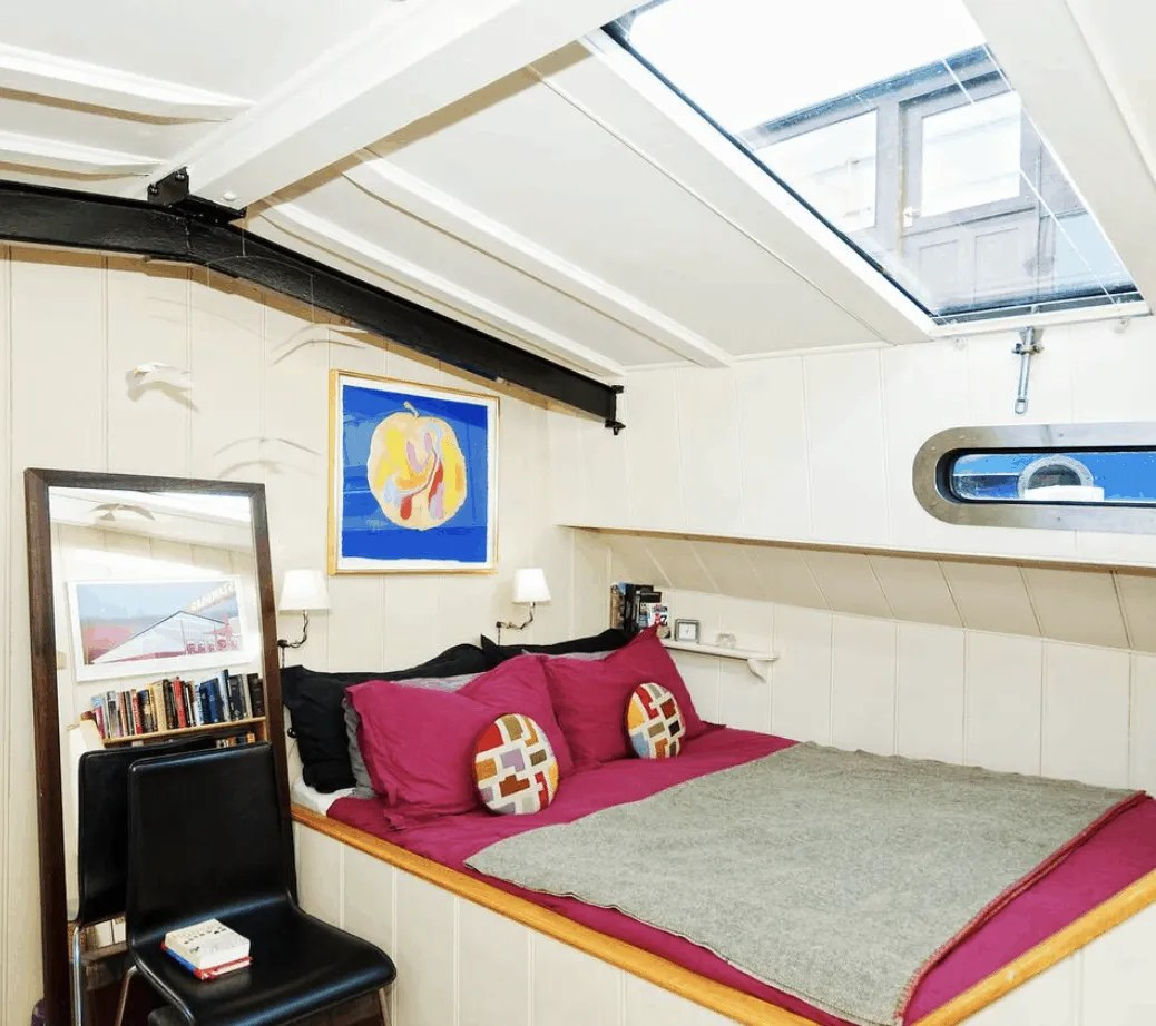 London Houseboats - Historic Wapping