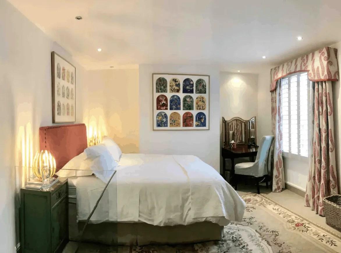 Budget London Airbnbs - Chelsea Hideaway
