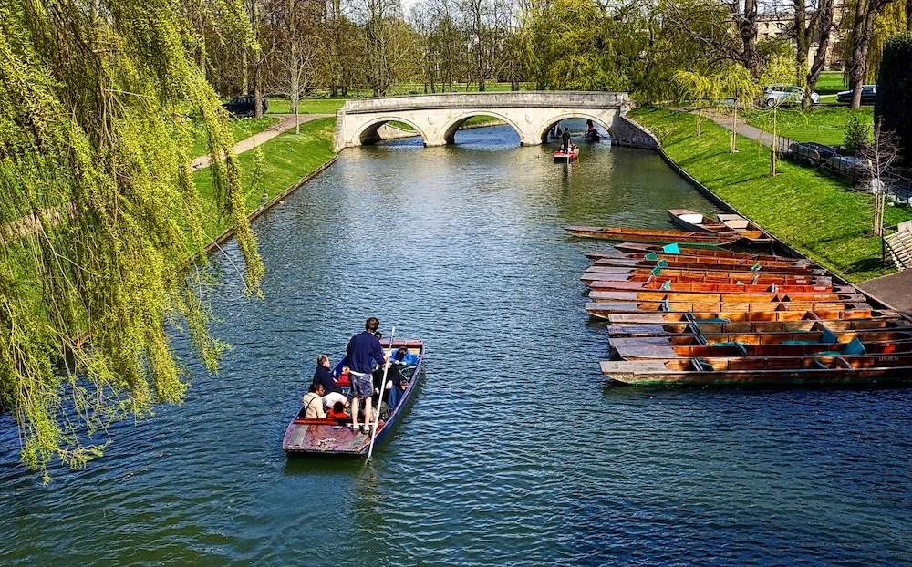Cambridge Day Trip - Punting the River Cam