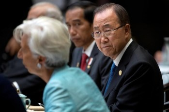 U.N. Secretary-General Ban Ki-moon, right, listens as International Monetary Fund (IMF) Managing Director Christine Lagarde, left, speaks during the G20 Summit in Hangzhou in eastern China's Zhejiang province, Sunday, Sept. 4, 2016. REUTERS/Mark Schiefelbein/Pool
