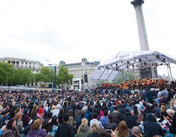 https://i1.wp.com/londonsymphony.wpengine.com/wp-content/uploads/2017/01/T60-LSO-On-Track-in-Trafalgar-Square-360x280.jpg?resize=360%2C280