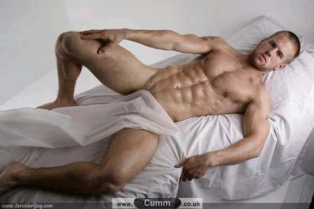 bed-bates-hotel-sexy-in-bed-male-model-naked