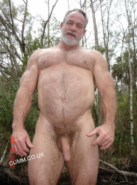 bear-art-muscle-dad-nude-in-woods