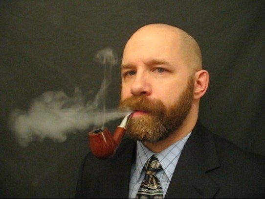 pipe-smoking-ginger-dadgodi