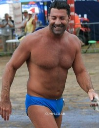 budgie-smuggler-naked-dad