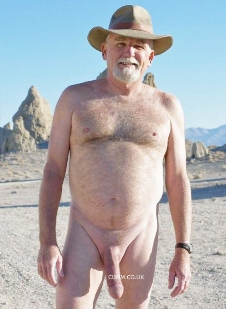 nude-in-public-grandpa-hung