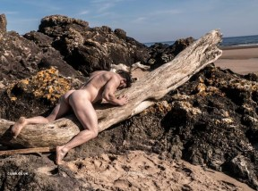 natural-male-nude
