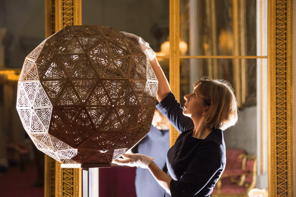 The geodesic dome, carved from walnut wood by Naseer Yasna (Mansouri), makes use of jali, the technique of creating geometric lattice designs from hundreds of individual pieces of wood. Royal Collection Trust / (c) Her Majesty Queen Elizabeth II 2018