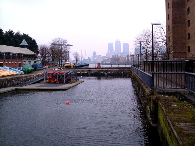 Shadwell entrance to the Thames
