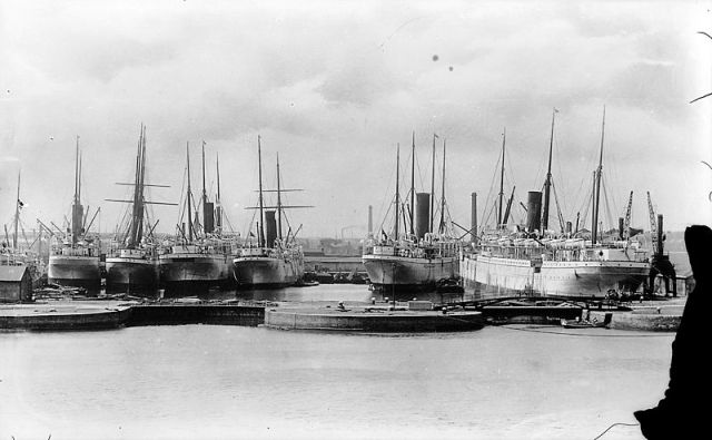 Union Castle liners in the East India Docks, 1902