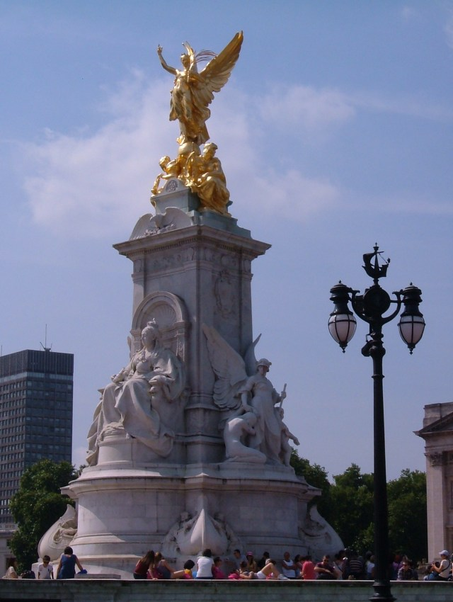 The Queen Victoria Fountain in front of the Palace