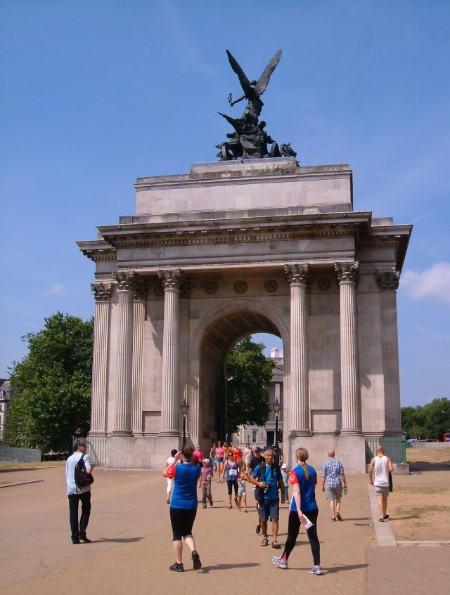 The Marble Arch in the centre of the Hyde Park Corner roundabout