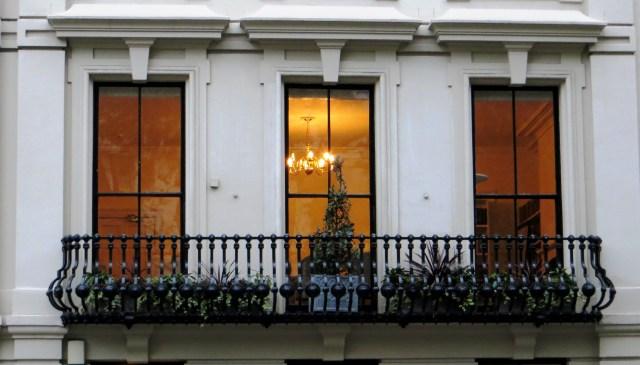 An elegant balcony & interior at No.17