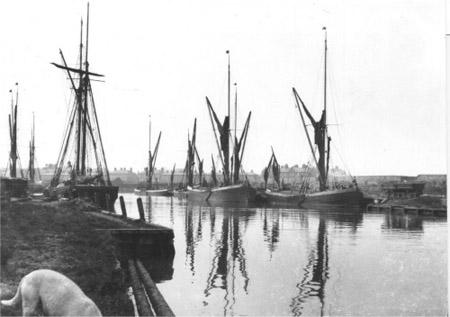 Brick Barges c.1895