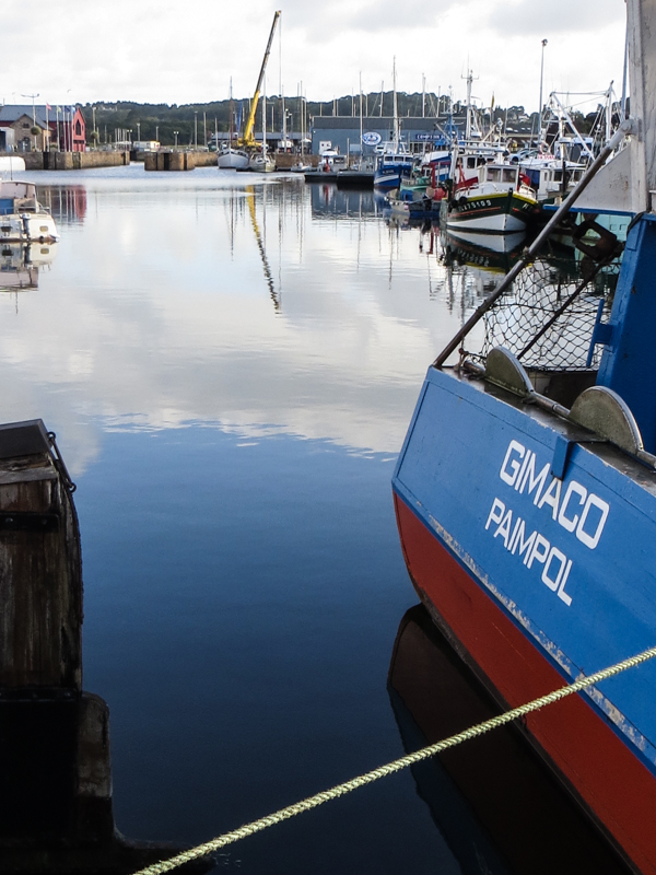 Paimpol harbour early in the morning