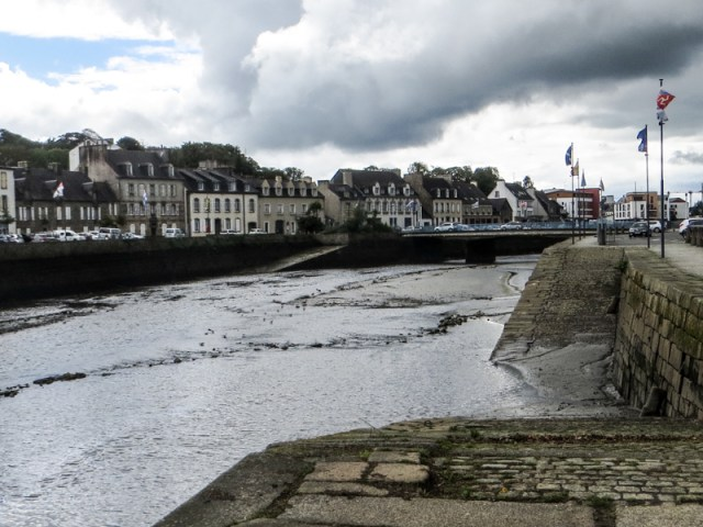 Downstream from the Pont de Rohan, Landerneau